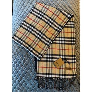 Burberry London scarf with tags